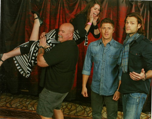 Vegas Con Photo Op Me: How's your back Clif? Clif: Fine. Me: I want you to throw me over your shoulder and carry me away! Clif: Let's do this. J&J: Wha? ———————————————— Best Weekend ever! Mu heart goes out to Clif for being such a sweet heart and allowing to help me with this photo. Best Early Birthday Gift ever.