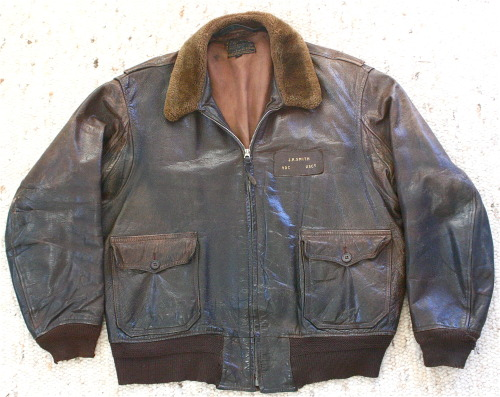 oddmodsarchive:  1940's US Coast Guard Willis & Geiger M-422a flight jacket