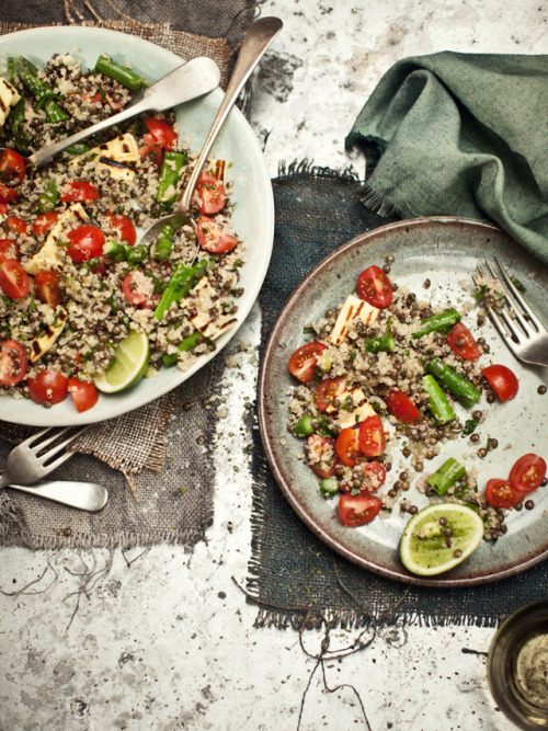 yummyinmytumbly:  Quinoa and lentil salad with asparagus, mint and haloumi