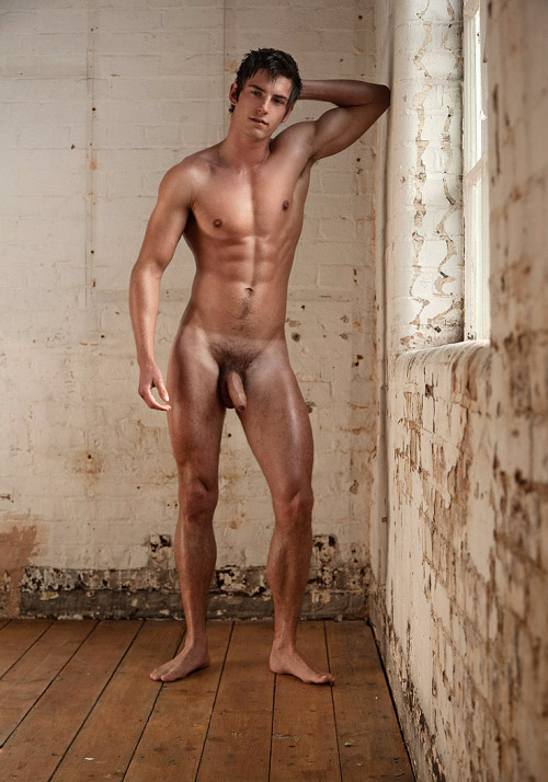 frenchpatrick:  I follow back LIAM BY DYLAN ROSSER @ http://www.themaleform.net/