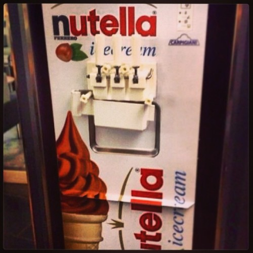 WANT. WANT WANT WANT.  #nutella #icecream #delicious #genius