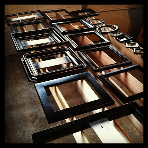 An afternoon's worth of painting old thrift store frames … not sure when or if this photo project will ever get done but I'm having fun working on it!