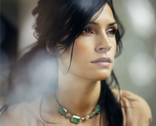 Impressive Famke Janssen. Photo by Robert Ascroft Source http://robertascroft.com/BEAUTY+FASHION/14/