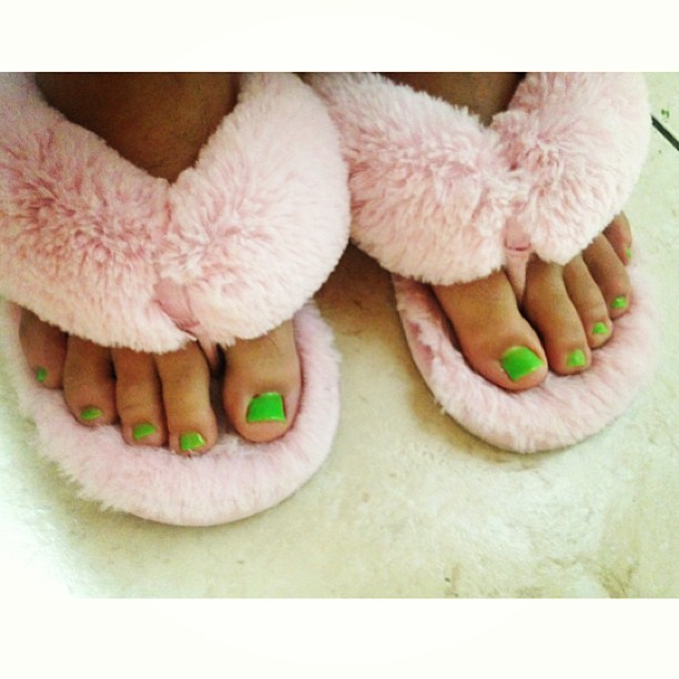 Spent the afternoon with my bestiee then we got pedis (: