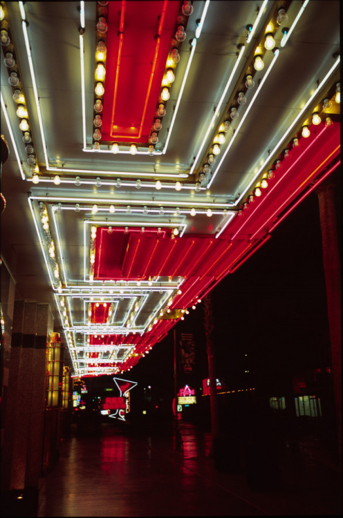 italdred:  Vegas fremont st (by Max McMillan)