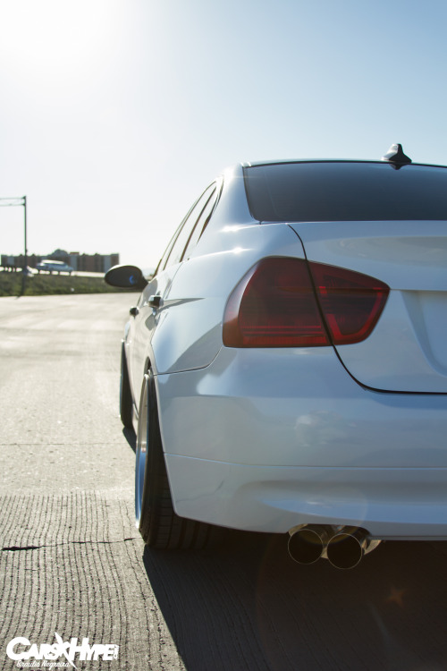 BMW E90 as seen on Carsxhype.com To see the full feature go to http://carsxhype.com/2013/03/28/duys-e90/Photo by Braulio Negreira