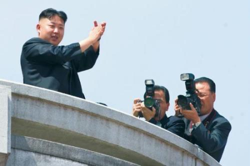 thecameralover:  Kim Jong-un is a camera lover.