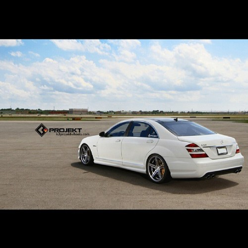 K3 Projekt Wheels | Mercedes S63 | Gentleman's look. #k3projekt #k3projektwheels #mercedes #benz #s63 #luxury #l4p #blacklist #carporn #carlifestyle #carswithoutlimits #rims #wheels #mbworld #felgen #amg #amazing_cars #20inch #picoftheday #white #exoticcars