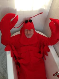 bookgal1977:  tenaflyviper:  If you can't find a place on your blog for Patrick Stewart in a bathtub dressed l