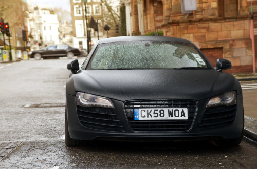 Black menace Starring: Audi R8 (by Will Dinn)