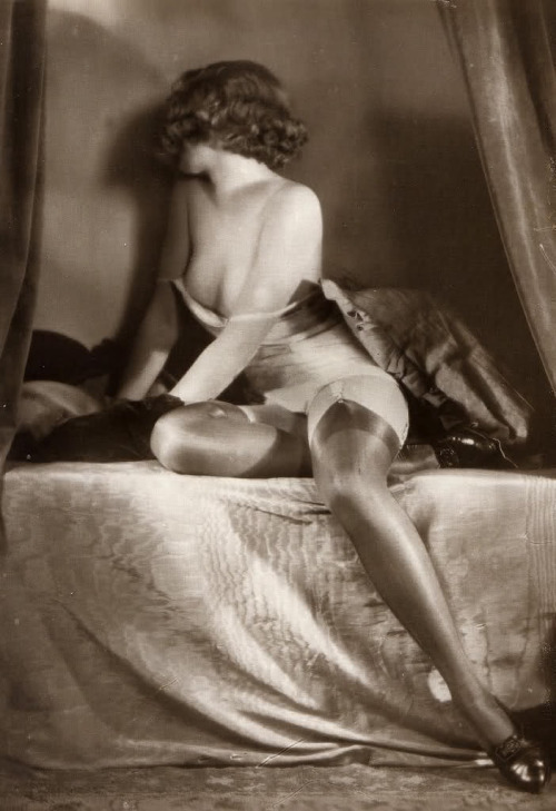 maudelynn:  Nearly Ready for Bed ! 1920s Saucy Portrait
