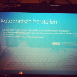 Gotta love #windows8 #microcrap #notmylaptop