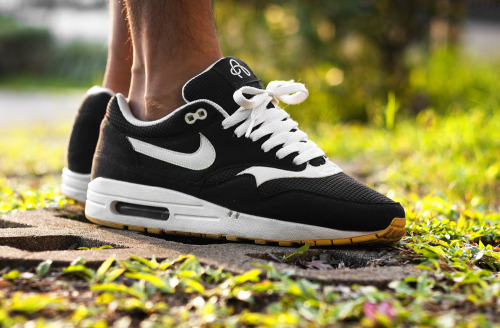 sweetsoles:  Nike Air Max 1 'Omega' (by msgt16)