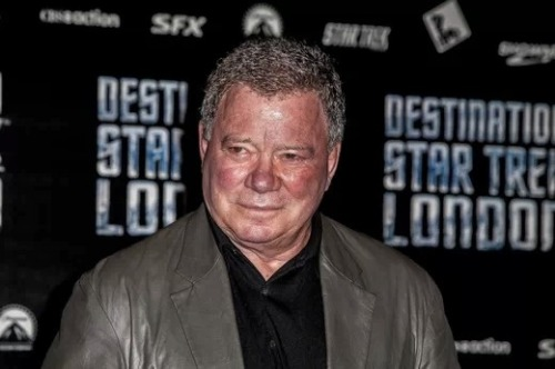 William Shatner compliments and then slams director J.J. Abrams when Shatner was asked his thoughts about Abrams directing both Star Trek and Star Wars. Click the pic to read!