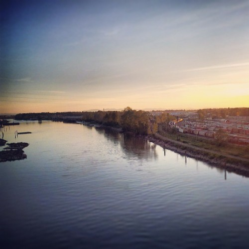 #Sunset from Queensburough bridge in New West (at Queensborough Bridge)