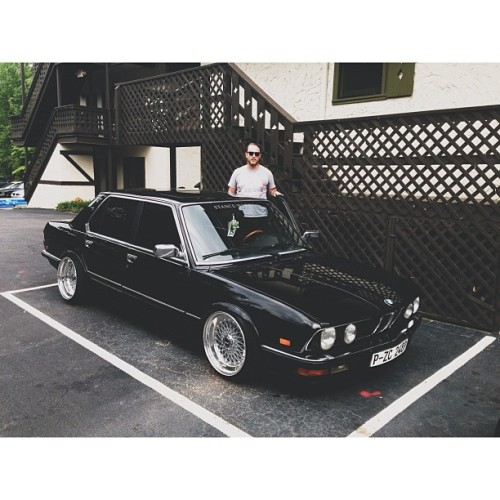 grkid:  ayegurl:  We out heyah #sowo #bertmcclassypants #e28 #stanceworks ✨💋😎💰 (at Helendorf River Inn and Conference Center)  What a damn good looking car this