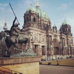 apunchupatawedding:  #BerlinerDom #Berlin #Germany