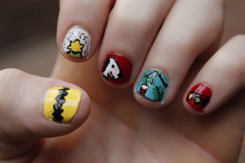 Charlie Brown ! :) Recreated from a prettyfancynails post