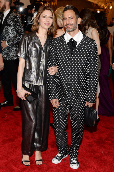 Sofia Coppola (Marc Jacobs) and Marc Jacobs (Commes des Garcons). she looks comfy and yeah… typical Marc right?