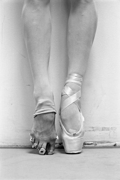 #henry_leutwyler, #art, #design, #black_and_white, #bw, #photography, #ballet, #dance, #fashion, #feet, #emotion, #jemma_craig, #rustybreak, #artists_on_tumblr, #inspiration