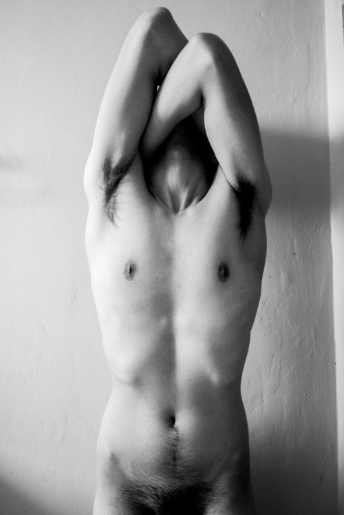 shirtlessboys:  (by 90am)