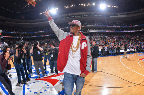 nba:  Allen Iverson, former Philadelphia 76er, is introduced on court before the game between the Charlotte Bobcats and the Philadelphia 76ers at the Wells Fargo Center on March 30, 2013 in Philadelphia, Pennsylvania. (Photo by Jesse D. Garrabrant/NBAE via Getty Images)