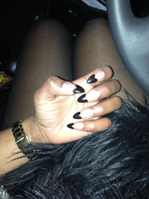 She's got a black heart #nailart #hearts #black #tips #fur #gold #watch #pointynails