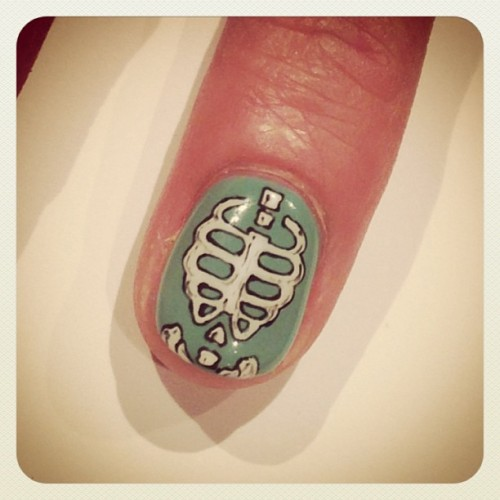 nailsalonavarice:  Bone nail  #avarice #art #kayo #design #nails #nailart #nailsalon #bone (NailSalon AVARICE)