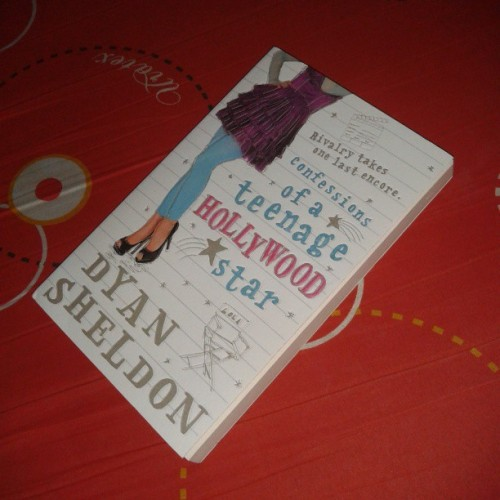 Yey! New book to read <3 thanks, Mom!!!!