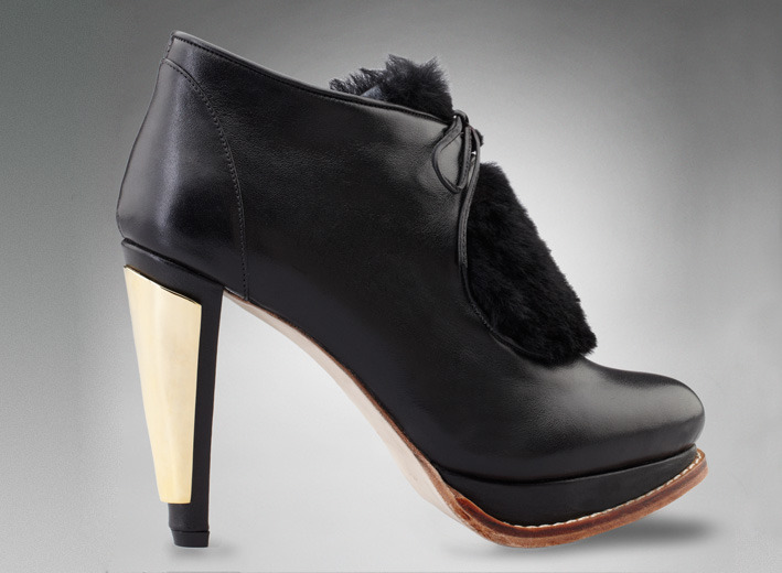 "eBay Search Alert: Barbara Briones Shoe designer Barbara Briones hand-makes her products in Santiago Chile. She has released her new collection this year, however we have our eye on these gold heeled creations from her Fall 2012 line. If you're feelin' this bootie for yourself, type in ""Barbara Briones"" into your eBay Feed and start tracking her previous collections as they arise on eBay.   (Photo: Courtesy of Barbara Briones site. Text by Jauretsi)"
