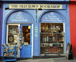 amandaonwriting:  The Old Town Bookshop | Edinburgh