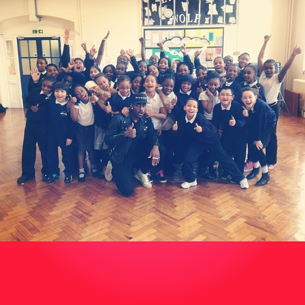 TODAY I SURPRISED THESE KIDS AT JOHN DONNE PRIMARY SCHOOL. THEY HAVE BEEN LEARNING MY SONG 'BREATHE' IN AFTER SCHOOL CHOIR PRACTICE AND THEIR TEACHER SENT ME A VIDEO OF THEM SINGING AND I HAD TO MEET THEM. WE SPENT AN HOUR ASKING QUESTIONS, DANCING AND SINGING TOGETHER. WHAT A MOMENT I WILL NEVER FORGET!!! < THESE LOT ARE THE FUTURE. #NEWPOWER