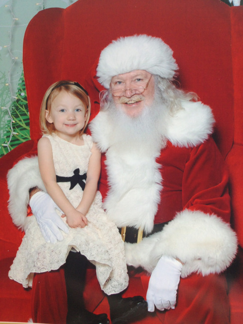 Finally a happy photo with Santa!