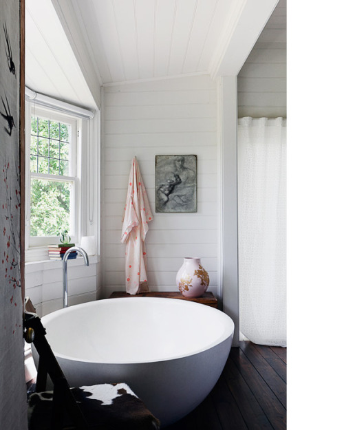 gorgeous bath ( from Kyneton based Boyd Alternatives.  Photo - Nik Epifanidis. via Kyneton Home – Vanessa Partridge of Prunella | The Design Files)