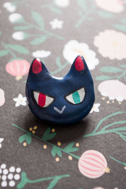 cat cats kittens brooches brooch etsy etsy seller handcrafted handmade art fim polymerclay clay pin