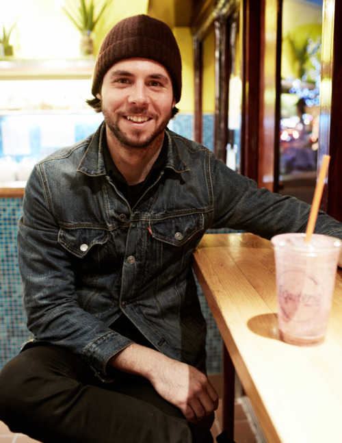 Talks of golf and fashion over smoothies from Liquiteria with Sean Hotchkiss in the East Village, NYC