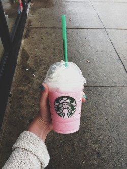 Pjenna-canon:  Cotton candy frap 😍