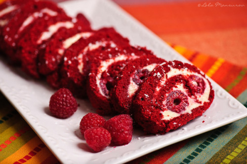 foodopia:  red velvet cake roll: recipe here