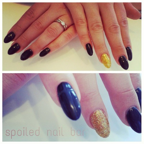 #black #gel #nails #spoilednailbar #happynails #weekend #party #birthday #nails #nailart #featurenail #mattenails #cross