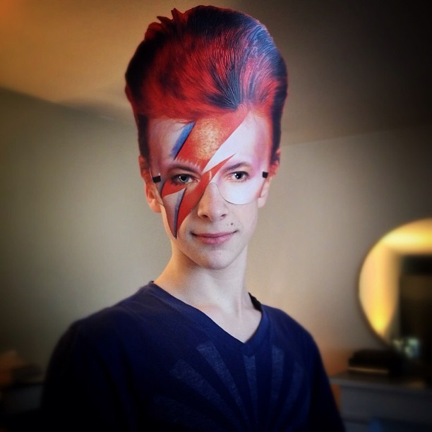 Bowie is in my (h)air..