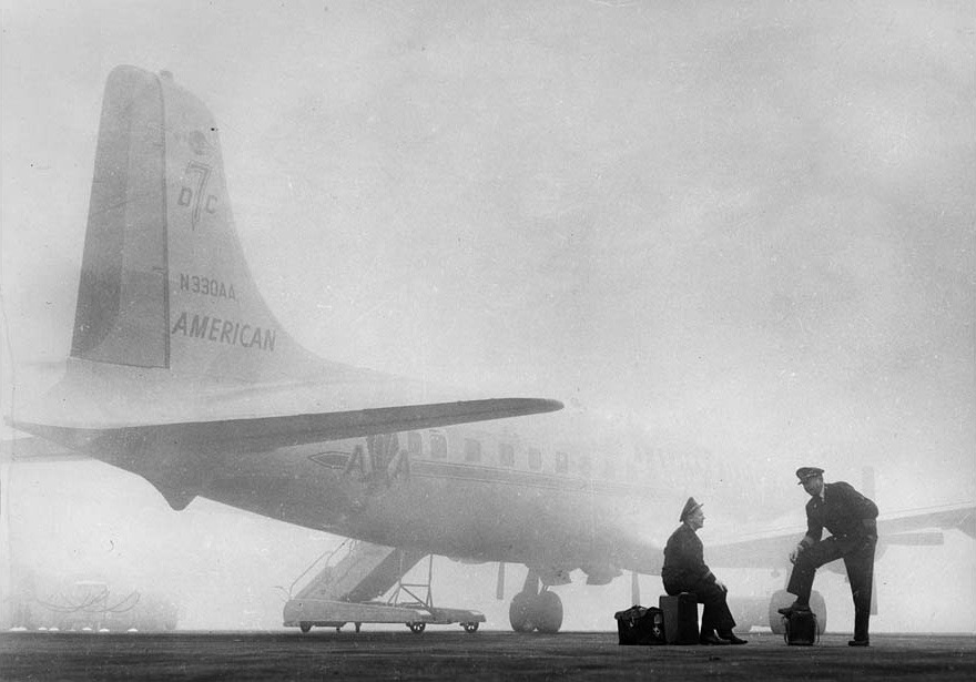 ckck:  Los Angeles International Airport fogged in. January 29th, 1958. Photograph by John Malmin.  Beautiful.