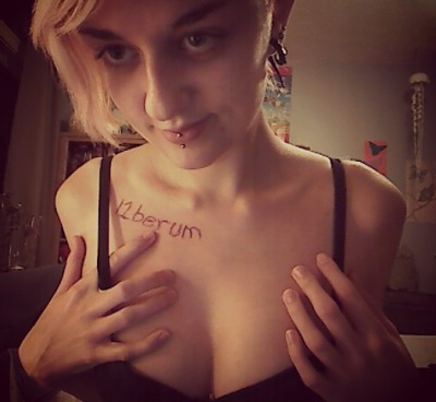 l1berum:  My first body fansign yaay thank you! c:  n_n follow this blog, it's awesome! <33