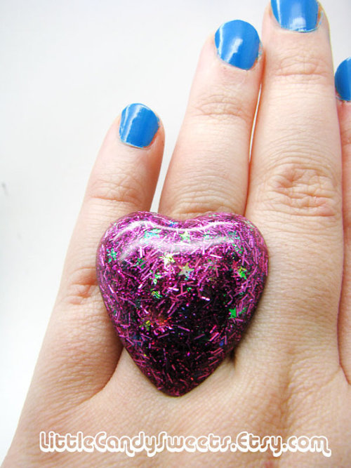 (via Giant Pink Sparkle Heart resin ring by littlecandysweets on Etsy)