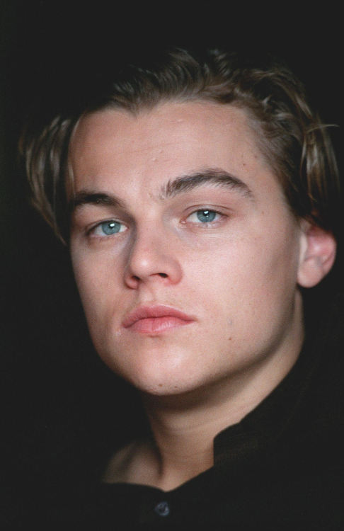 leonardo dicaprio photoshoot 1998 unedited hot aesthetic celebs vintage hot guys style hipster grunge indie swag attractive inspiration tumblr boy celebrities men dope cute