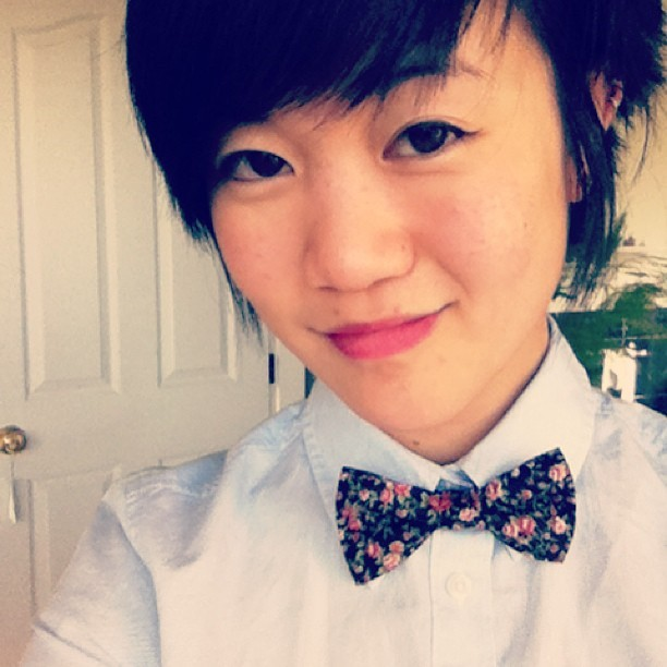 homomiilk:  Bowtie! #tomboyfemme #femme #bowtie #queerfashion  evr1 pls look at dis bb right here.