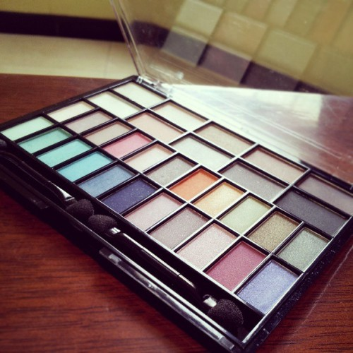 my new eyeshadow from h&m #eyeshadow #hm #new #nice