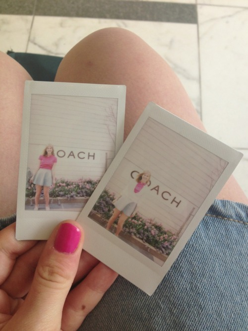 magicbambi:  pineapple-crew:  peachy-kids:  Polaroids are great  Omg guys 120 notes I love you all  ღ
