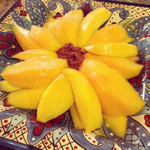 Mango & aramang for dayssss~ #mango #aramang #omnomnom #yummy #asian #kauai #hawaii #luckyilivehawaii #cute #kawaii #kawaiicomplex #happy