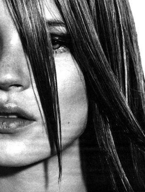 80s-90s-supermodels:  W US, April 1998Model : Kate Moss   loving her hair style