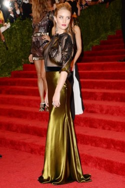 Met Gala '13 - Rosie Huntington-Whiteley in Gucci
